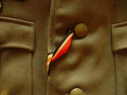 Click image for larger version.  Name:Heer Officers tunic details 002.jpg Views:98 Size:251.7 KB ID:56441