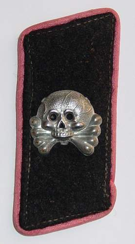 Click image for larger version.  Name:Heer Panzer collar tab..JPG Views:309 Size:82.9 KB ID:5945