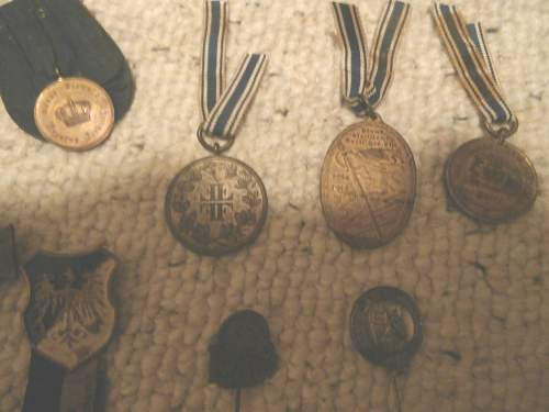 Click image for larger version.  Name:Nazi Pins Patches Medals 002.jpg Views:76 Size:301.6 KB ID:602508