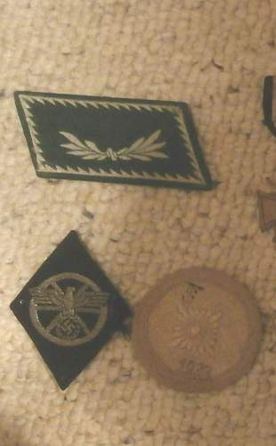 misc insignia/patches/pins for identification&value