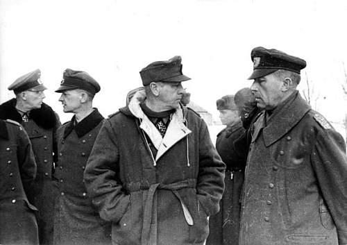 Click image for larger version.  Name:Captured-German-Generals.jpg Views:529 Size:46.9 KB ID:638658