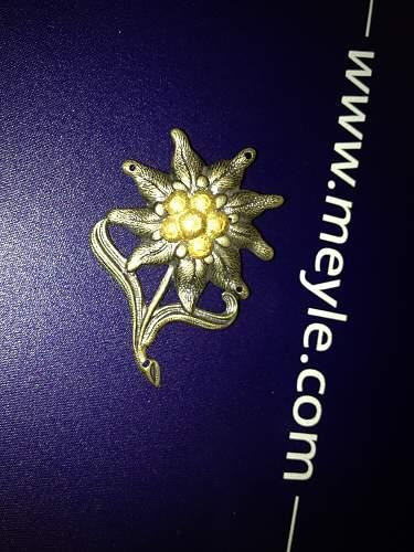 WW2 Un-issued Gebirgsjager Edelweiss cap insignia?