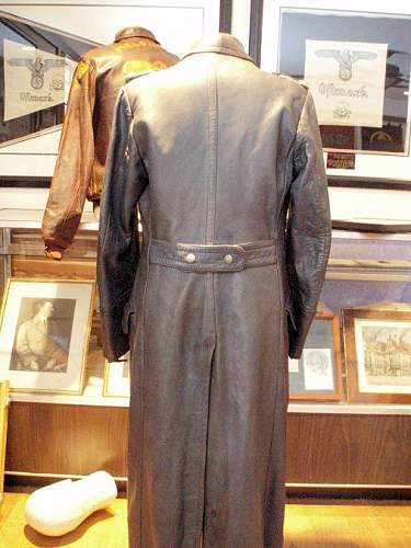 Click image for larger version.  Name:DIETRICH LEATHER COAT 004.jpg Views:339 Size:109.0 KB ID:641608