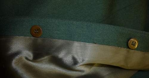 Heer Officers greatcoat: original or high quality replica
