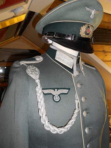 Infantry tunic help