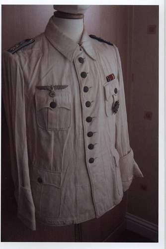 Click image for larger version.  Name:white medical jacket 001.jpg Views:546 Size:52.4 KB ID:68556