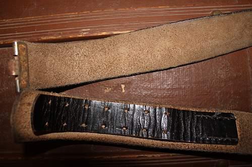 is this an original  heer parade belt?