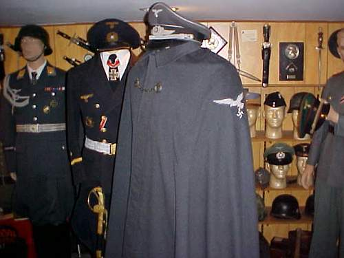LW Officer Cape