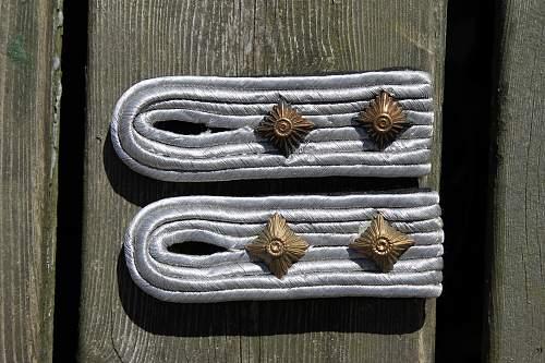 reihsluftfahrtsministerium hauptmann`s collar tabs and shoulder boards