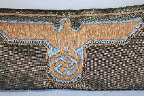 Sleeve eagle insignia Green and blue, Please help to ID