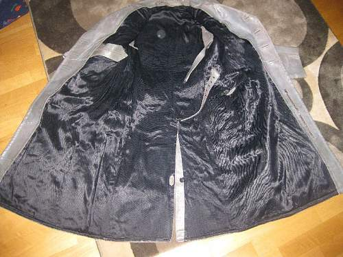 Need Help ID this leather coat .