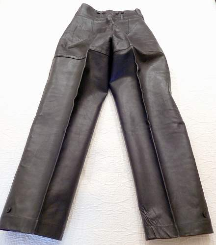 Need opinions on unissued leather Panzer wrap and pants...