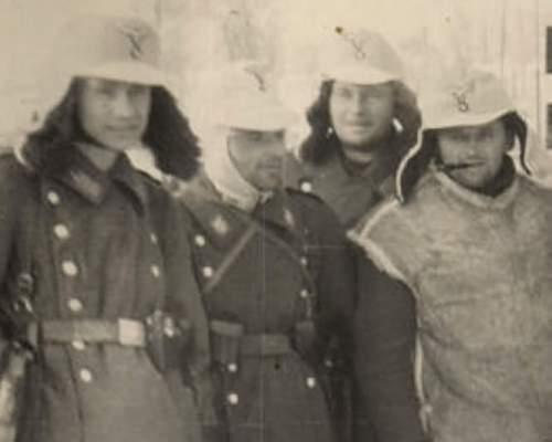 Luftwaffe Lambskin Coat & Cap set - need period photo...