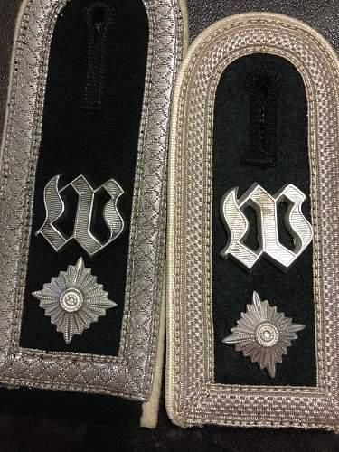 GD & Wache Kompanie shoulder straps
