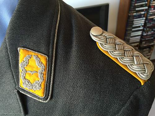 An early or late war, Luftwaffe Majors Tunic?