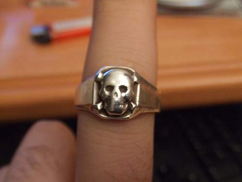 Have you ever seen a skull ring like that one?