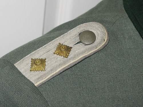 Heer NCO or Officer's Tunic??
