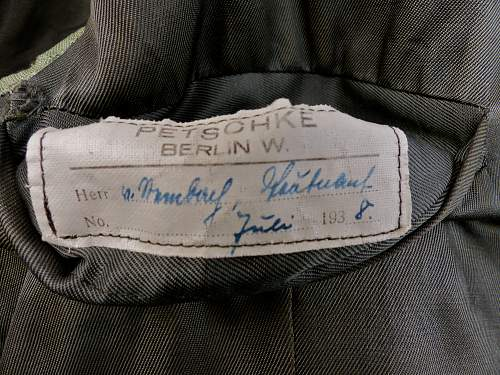 Can anyone read the name in this 1935 Waffenrock for a Hauptmann 91st Infantry?