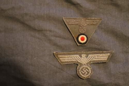 late war breast eagle and field cap insignia?