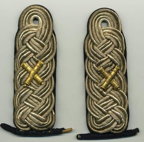 Heer officers shoulder boards