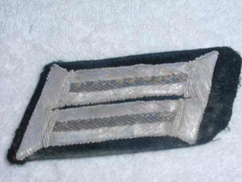 Collar and Shoulder insignia