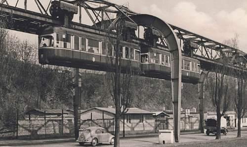 Click image for larger version.  Name:frank167-schwebebahn-haltestelle-hammerstein-um-1912.jpg Views:13 Size:109.1 KB ID:914254