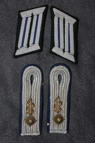 guidance appreciated on  Heer medical shoulder boards (and collar tabs)