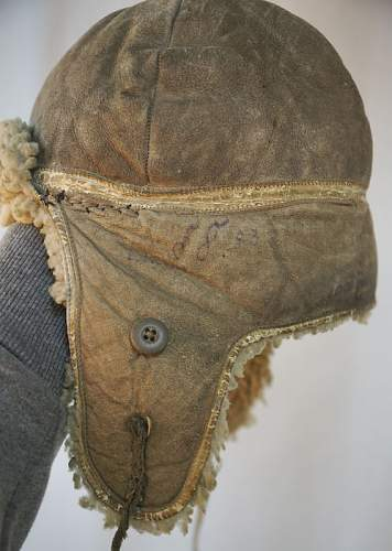 Help on two pieces worn by German soldier