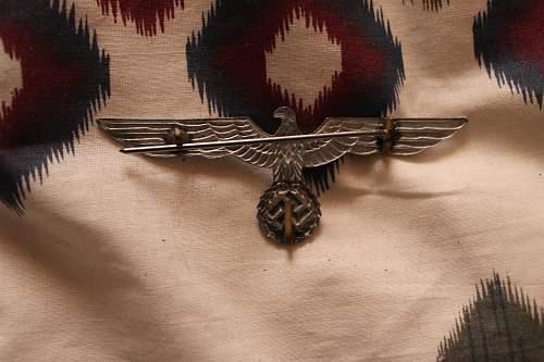 Kriegsmarine Adm. metal breast eagle or Heer?