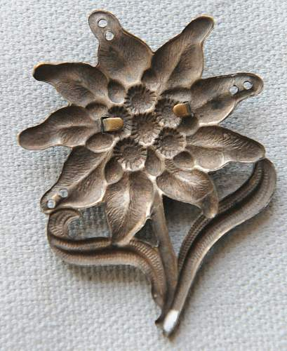 Click image for larger version.  Name:2 Edelweiss Mountain Troops Cap Badge back.jpg Views:36 Size:218.0 KB ID:941618