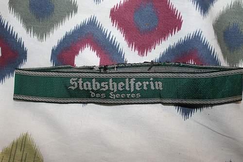 ned help on an original Stabshelferin des heeres cuff title?