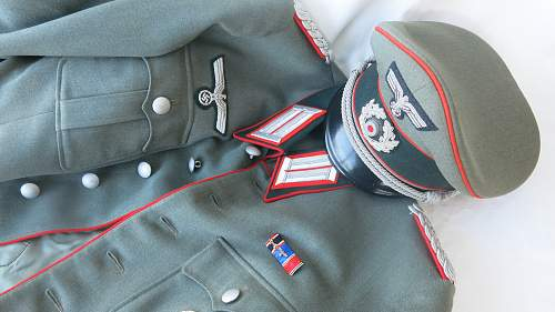 Click image for larger version.  Name:Artillery cap and tunic 024.jpg Views:23 Size:228.8 KB ID:989297