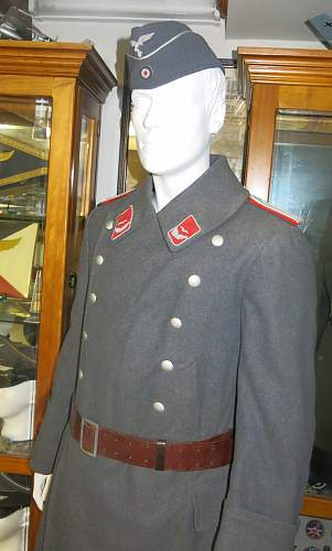 Click image for larger version.  Name:Flak Leutnant greatcoat 003.jpg Views:18 Size:222.0 KB ID:995040
