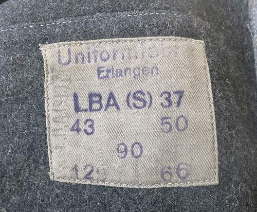 Click image for larger version.  Name:Flak Leutnant Rohde tunic & greatcoat 025.jpg Views:34 Size:241.1 KB ID:995044