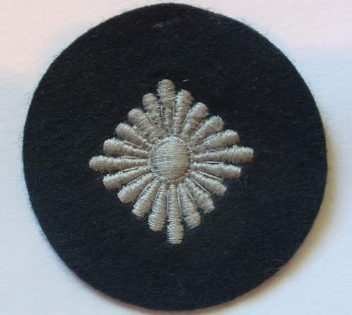 Click image for larger version.  Name:Obersoldat insignia_1.JPG Views:13 Size:63.0 KB ID:998375