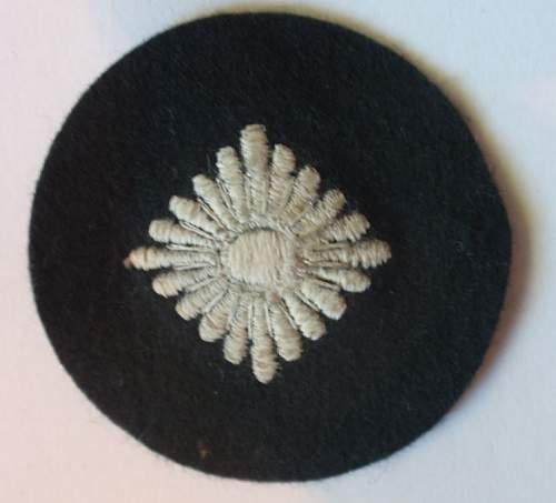Click image for larger version.  Name:Obersoldat insignia_2.JPG Views:39 Size:53.7 KB ID:998376