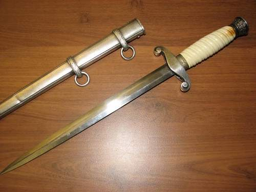 Click image for larger version.  Name:armydaggers021.jpg Views:66 Size:40.7 KB ID:111758