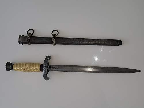[QUESTION] Heer dagger - real or fake ?