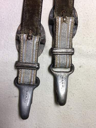 Deluxe Heer Dagger Hangers