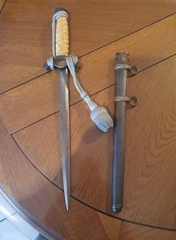 Help! Fake or genuine Puma dagger ?