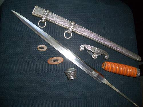 Heer Officers dagger for authentication