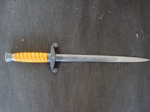 Heer dagger with etched blade: real or fake?