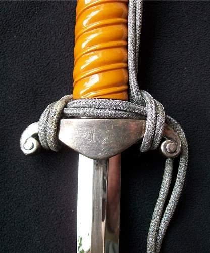 Need opinions on the grip of this Heer Dagger...