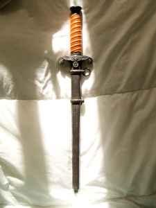Very expensive Heer dagger!
