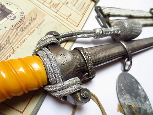 Mint heer dagger by Holler w/personalization