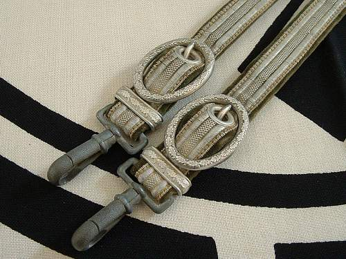 Click image for larger version.  Name:dagger hanger 25.jpg Views:22 Size:120.4 KB ID:628311