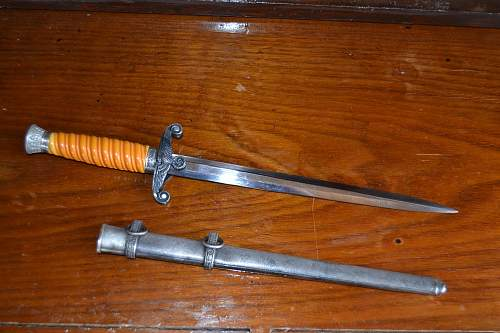 Unmarked Heer dagger