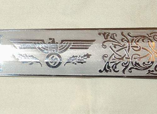 Need some opinions on a double-engraved heer dagger...