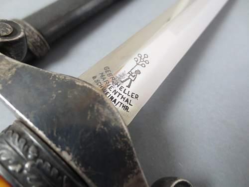 Early army dagger by Gebr. Heller