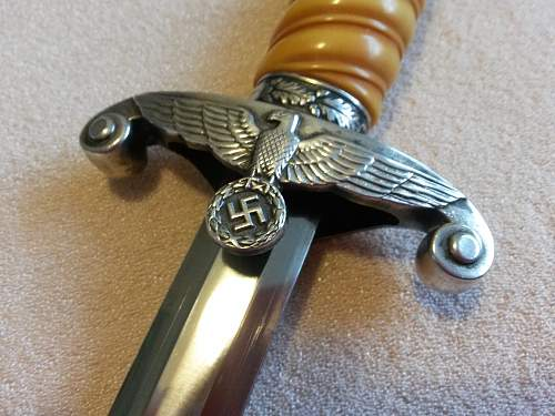 Click image for larger version.  Name:Army daggers 008.jpg Views:30 Size:217.2 KB ID:688911